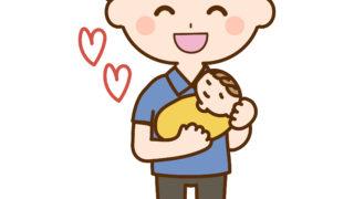 赤ちゃんを抱っこする光一さん